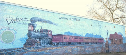 Image of the railroad-inspired Mural painted on Valencia Jewelers building in Chipley